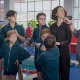 Aris y Temo en la piscina en 'Mi marido tiene más familia'