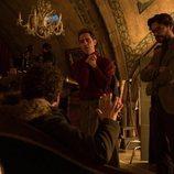 Pedro Alonso y Álvaro Morte en el rodaje de la tercera parte de 'La Casa de Papel'