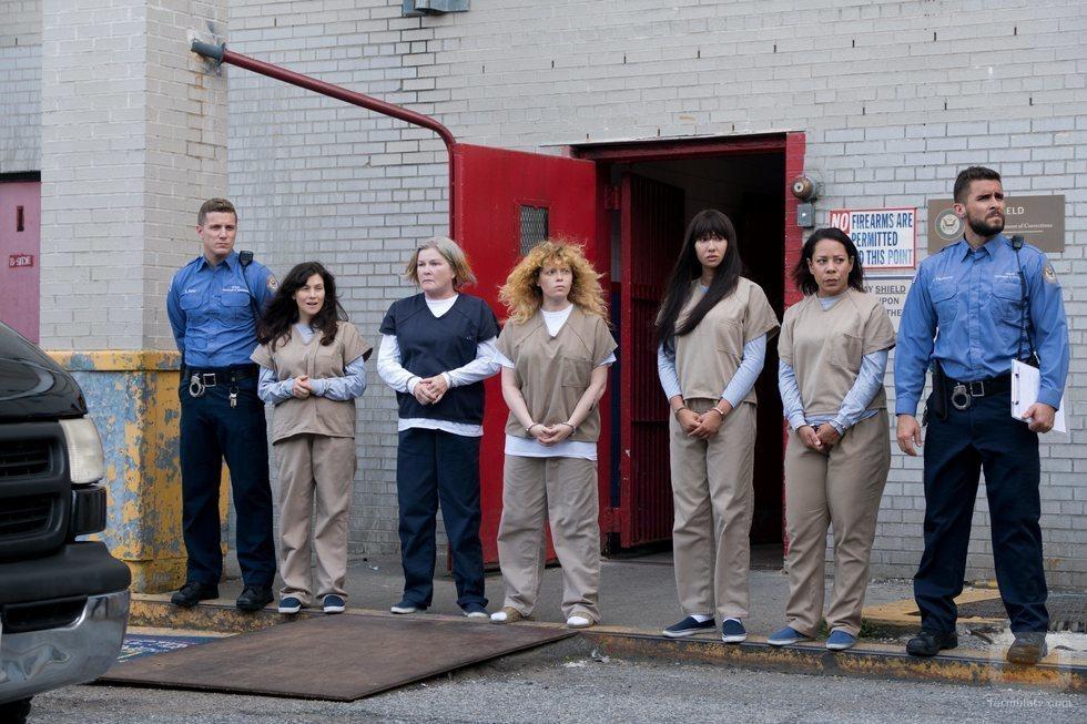 Parte del elenco de 'Orange is the New Black' durante el rodaje de la séptima temporada