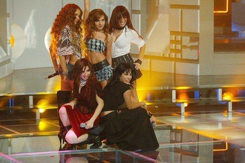 Las integrantes de Bellepop posan tras su actuación