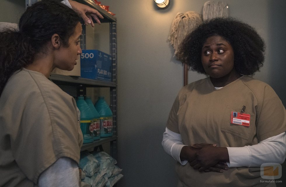Dascha Polanco y Danielle Brooks en el rodaje de la temporada 7 de 'Orange is the New Black'