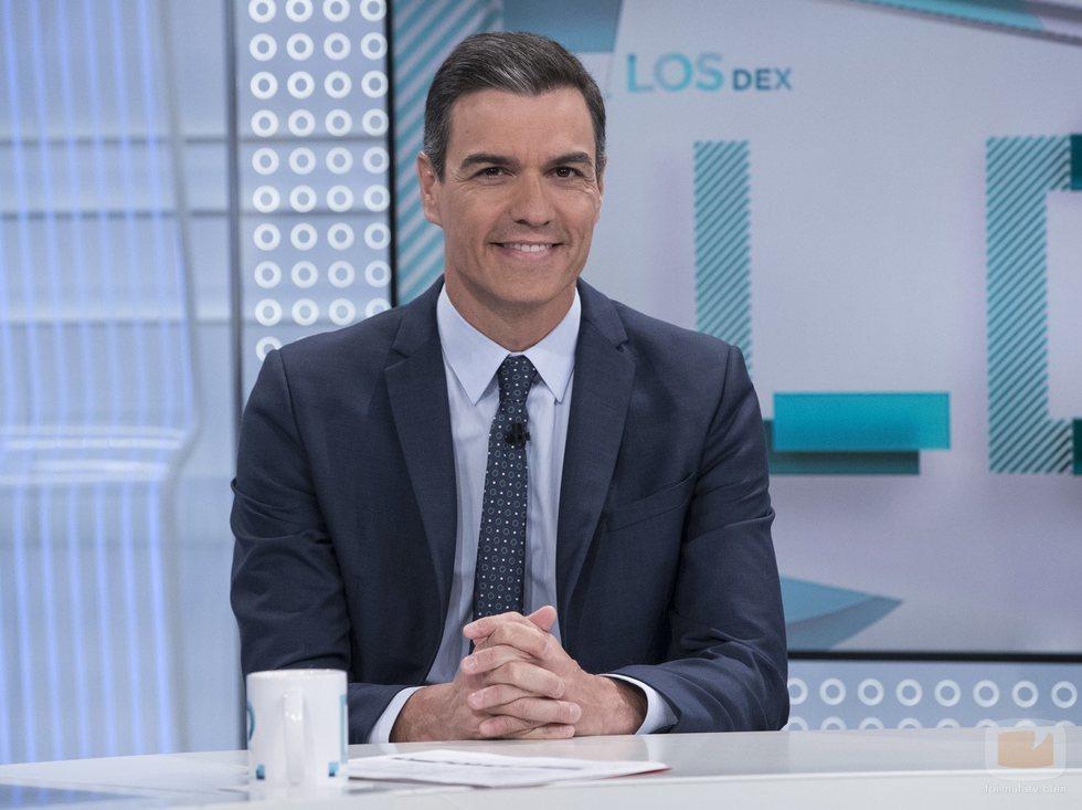 Pedro Sánchez posa en el plató de 'Los Desayunos de TVE'