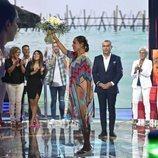 Isabel Pantoja saluda al público de 'Supervivientes 2019'