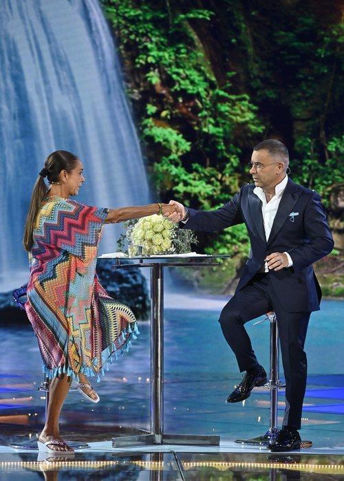 Isabel Pantoja y Jorge Javier Vázquez se dan la mano en 'Supervivientes 2019'