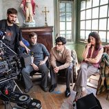 Emilio Palacios, Àlex Monner y Anna Castillo en el rodaje de 'La línea invisible'