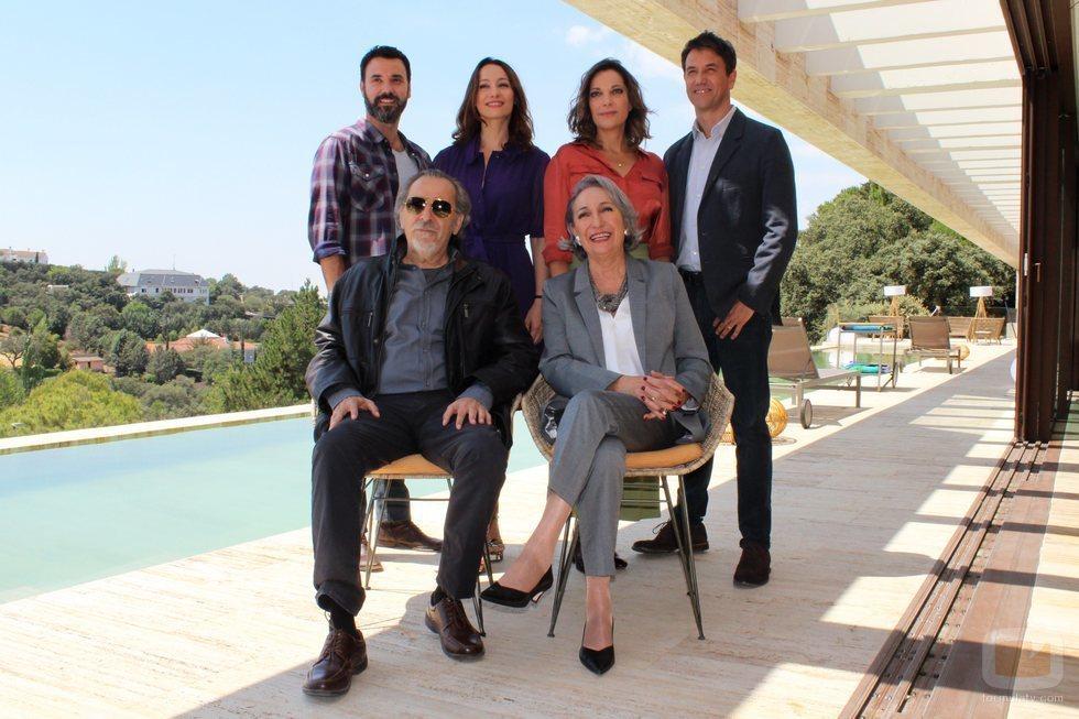 El elenco de protagonistas de 'El nudo', al completo