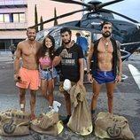 Los finalistas de 'Supervivientes 2019' frente al helicóptero