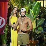 Omar Montes junto a Lara Álvarez en la gran final de 'Supervivientes 2019'
