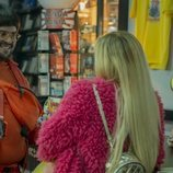 Brays Efe interpreta a Oli en el rodaje de 'Por H o por B'