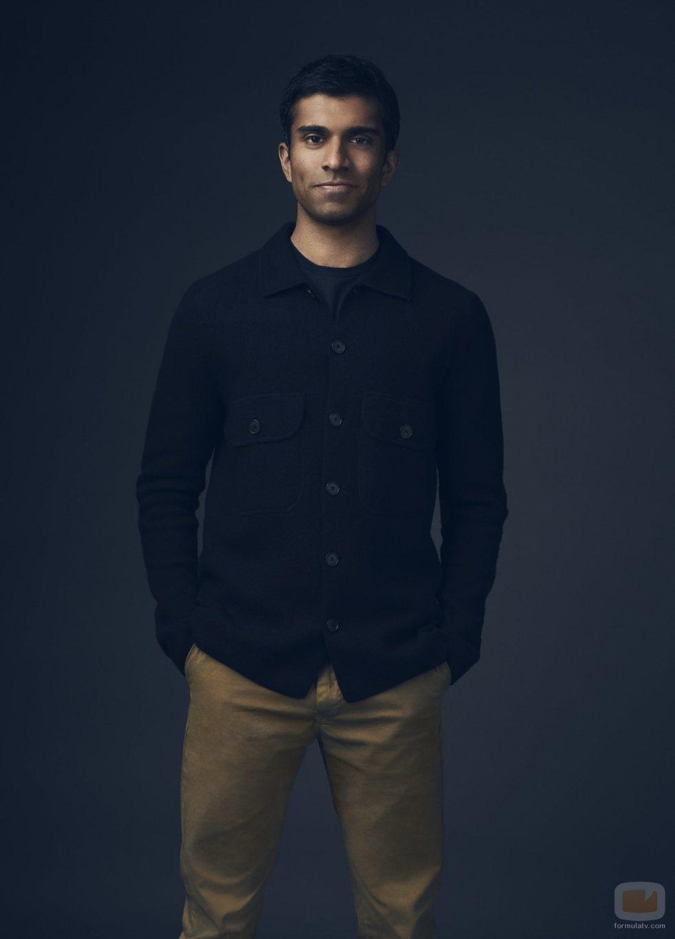 Nikesh Patel es Kash en 'Cuatro bodas y un funeral'