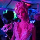 Ester Expósito en una fiesta de disfraces durante la segunda temporada de 'Élite'