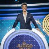Jorge Fernández posando en el plató de 'El juego de los anillos'