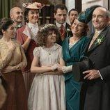 'Acacias 38' reúne a todos sus vecinos por la boda de Ramón y Carmen