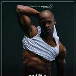 Germán (Raudel Raul) enseña su torso en un póster de 'Toy Boy'