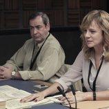 Emma Suárez y Jorge Bosch en la sala de interrogatorios de 'Criminal'