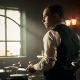 Finn Cole da vida a Michael Gray en la quinta temporada de 'Peaky Blinders'