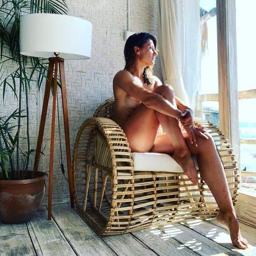 Nagore Robles y su desnudo integral reivindicativo