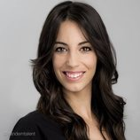 Almudena Cid, actriz y exgimnasta, sonriendo
