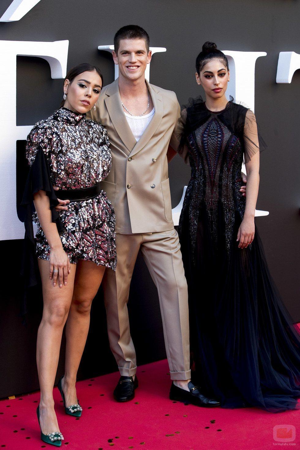 Danna Paola, Miguel Bernardeau y Mina El Hammani en el estreno de la segunda temporada de 'Élite'