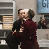Maestro Joao le da un beso a Adara en la Gala 1 de 'GH VIP 7'