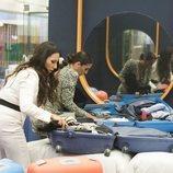 Irene Junquera y Anabel Pantoja cogen su ropa en la Gala 1 de 'GH VIP 7'