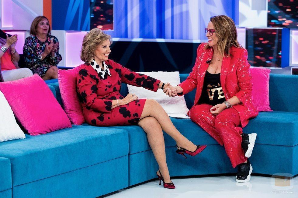 María Teresa Campos y Toñi Moreno en 'Aquellos maravillosos años', en Telemadrid