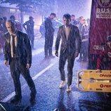 Javier Gutiérrez y Alejo Sauras, bajo la lluvia en 'Estoy vivo'