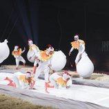 Los concursantes de 'GH VIP 7' vestidos de gallinas en la Gala 4