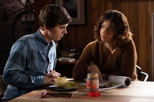 Shaun y Lea en la tercera temporada de 'The Good Doctor'