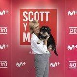 Scott y Milá posan en la presentación de la segunda temporada