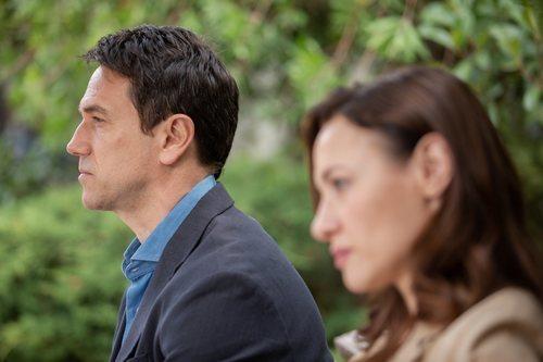 Oriol Tarrasón y Natalia Verbeke, protagonistas de 'El nudo'