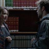 María Bolaño y Pol Rubio en la bibioteca en 'Merlí: Sapere Aude'