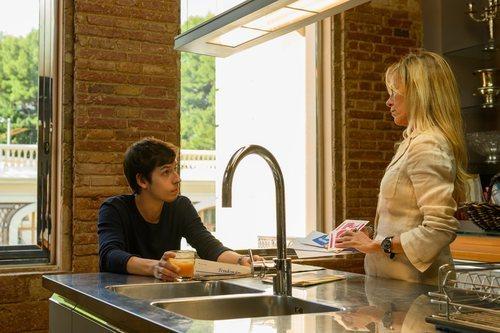 Rai y Vicky desayunan en 'Merlí: Sapere Aude'