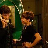 Rai llama por teléfono junto a Minerva en 'Merlí: Sapere Aude'