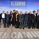 El equipo de 'El Camino: Una película de Breaking Bad' junto a invitados especiales