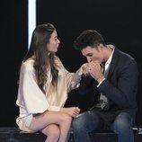 Kiko Jiménez besa a Estela en la mano, en la Gala 6 de 'GH VIP 7'
