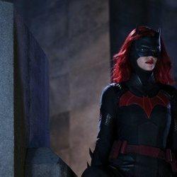 Batwoman en acción en la serie de The CW