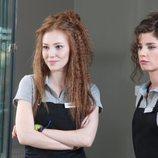 Elçin Sangu and Sanem Yeles en 'Te alquilo mi amor'