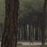 Escena en el bosque en 'Bajo escucha. El acusado'