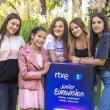 Melani García junto a sus coristas para Eurovisión Junior 2019