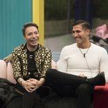Gianmarco Onestini y el Maestro Joao ríen en la Gala 7 de 'GH VIP 7'