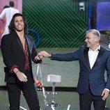 Jorge Javier Vázquez con el hermano de Gianmarco, Luca Onestini, en la Gala 7 de 'GH VIP 7'
