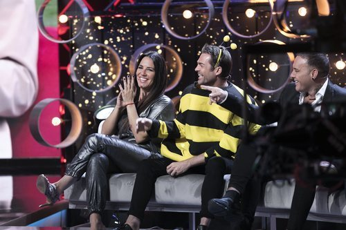Irene Junquera, Hugo Castejón y Dinio en el plató de 'GH VIP 7' en la Gala 8
