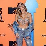 J Mena posa ante las cámaras en los MTV EMAs 2019