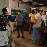 El rodaje del 2x01 de 'Magnum' detrás de las cámaras