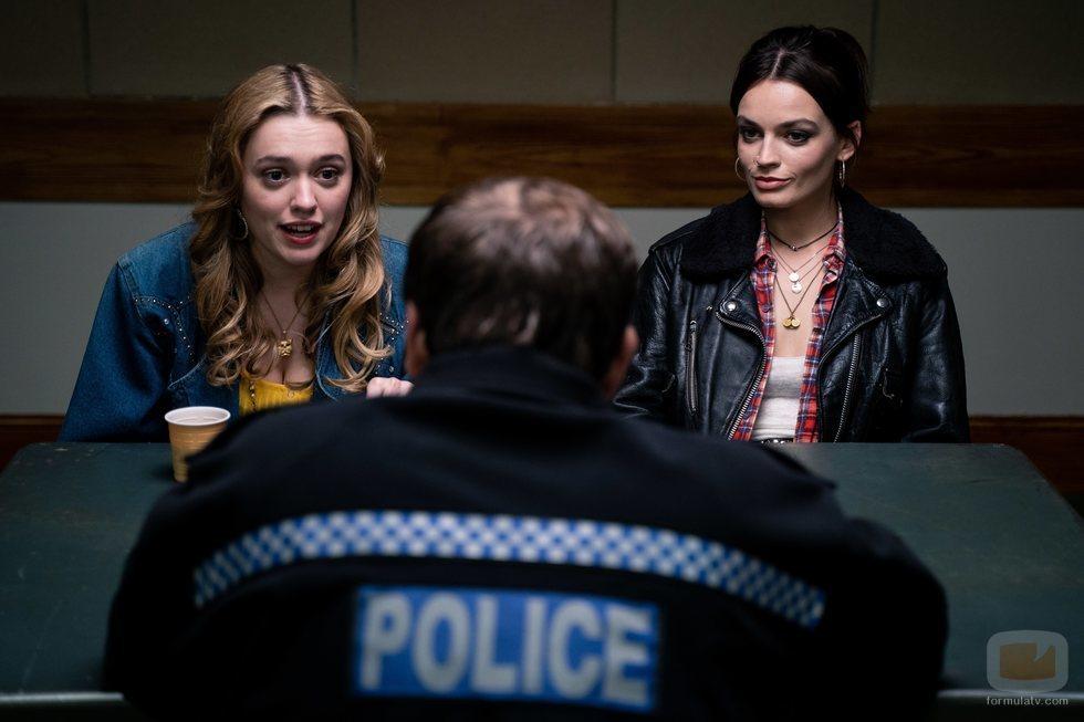 Aimee y Maeve en la segunda temporada de 'Sex Education'