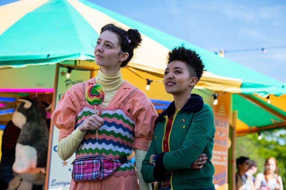 Lily y Ola en la segunda temporada de 'Sex Education'