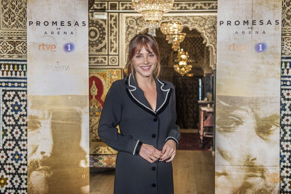 Andrea Duro posa en la rueda de prensa de 'Promesas de arena'