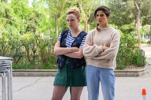 Catalina Sopelana y Clara Lago en 'El vecino'