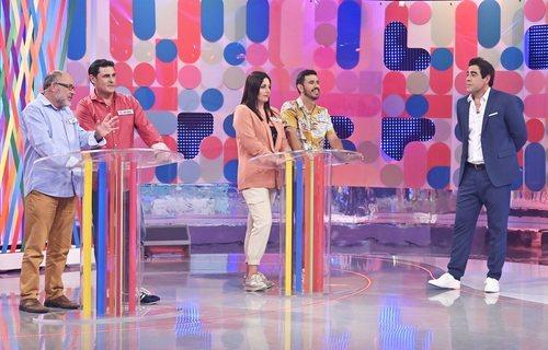 Pablo Chiapella, con los concursantes de 'El bribón'